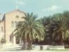 Entrée de l\'église vers 1960
