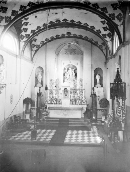 L'Eglise abbatiale vers 1850, avec son mobilier et son dallage terminés.