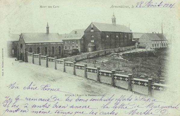 1895 l'abbaye et son église, alors que le mur de clôture a été rénové