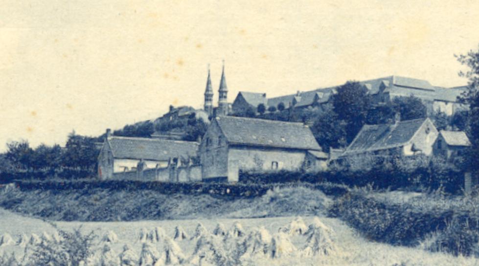 Le bâtiment de l'ancienne école, vers 1920