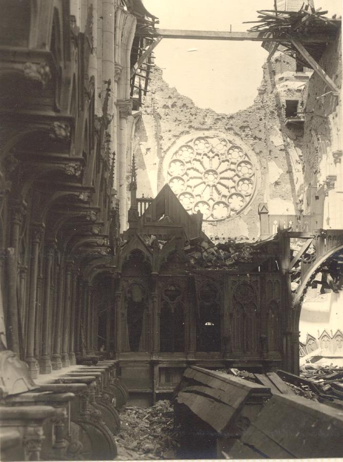 Mont des Cats, les dégâts dans l'église en 1918