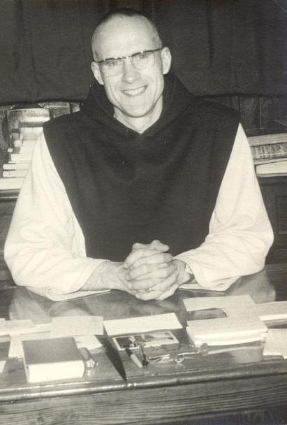 Dom André Louf dans son bureau 1964