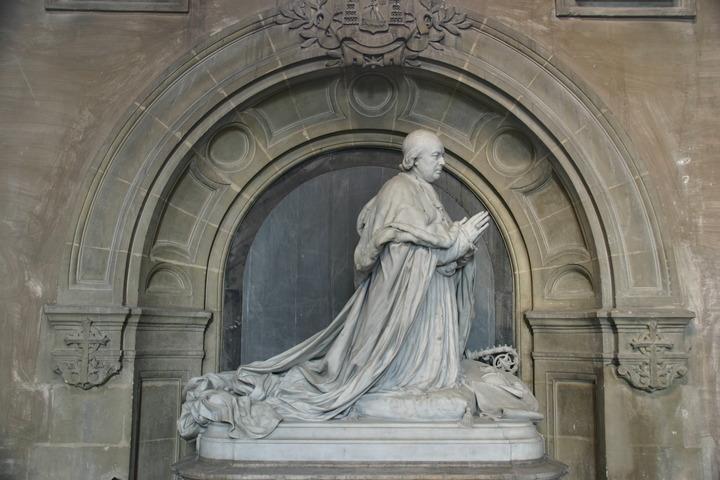 Monument du Cardinal Giraud, cathédrale de Cambrai