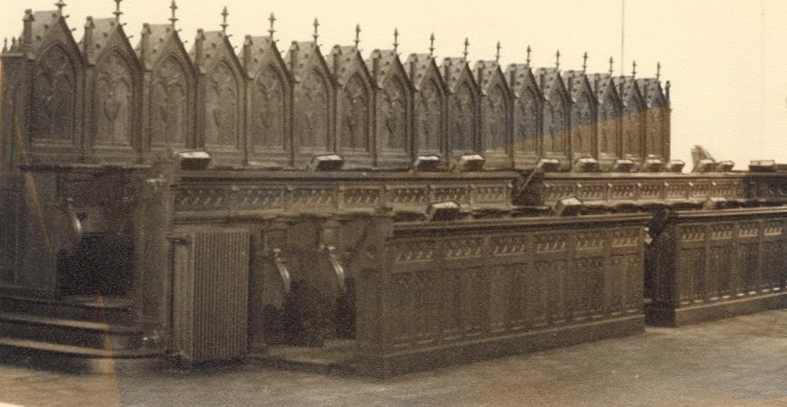 Mont des Cats, les stalles restaurées après la guerre 1914-18