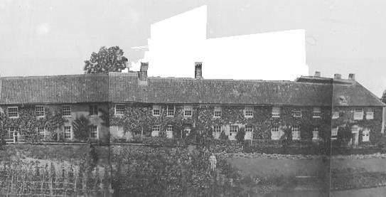 Le bâtiment des Antonins offert par Nicolas Ruyssen aux moines