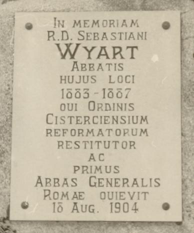 Dom Sébastien Wyart, plaque commémorative dans le cimetière du Mont des Cats