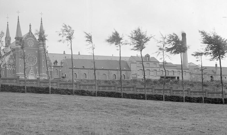 1896 Gros-plan sur la brasserie face Nord