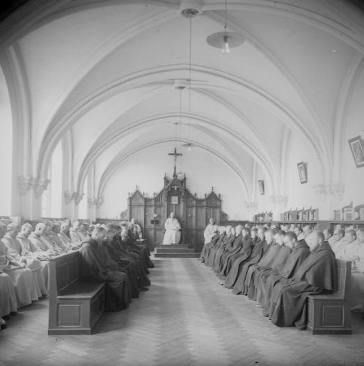 le nouveau chapitre avec l'éclairage en 1897 avec la communauté