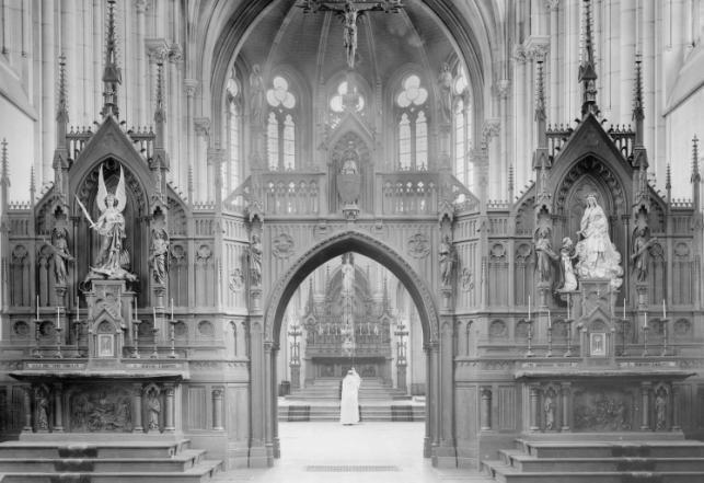 1898 L'église, depuis le choeur des frères convers, vers le sanctuaire