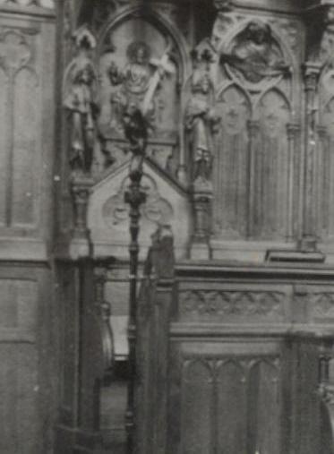 1898 : la crosse à la stalle de l'abbé dans la nouvelle église