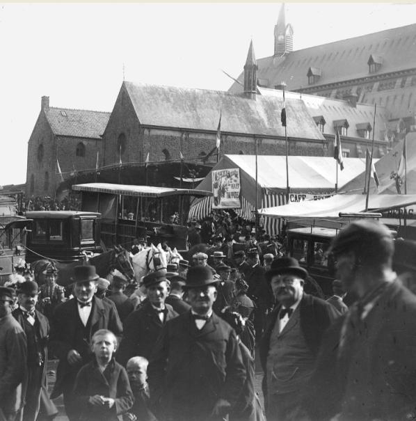 Les transports en commun et autres carosses pour le transport des visiteurs