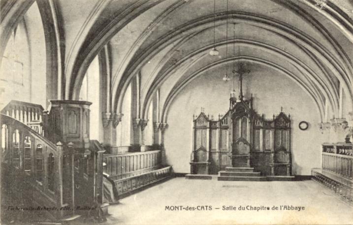 La salle du chapitre avec la chaire pour les sermons
