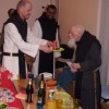 Frère Aimable souffle une bougie pour ses 98 ans...
