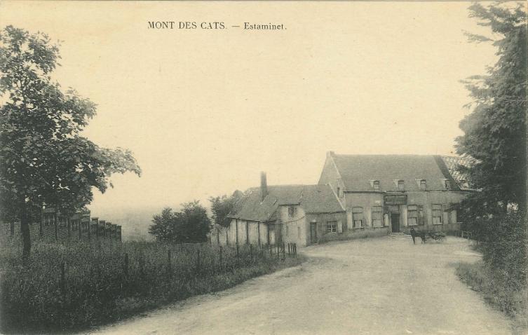 L'auberge endommagée par les bombardements, carte postale vers 1920