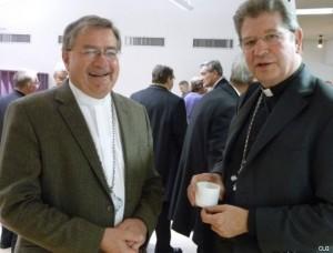 Mgr Coliche, évêque auxiliaire, et Mgr Ulrich, archevêque de Lille