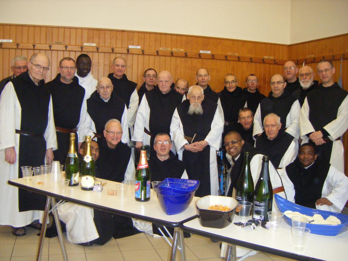 La communauté autour de fr Aimable, le jour de Noël